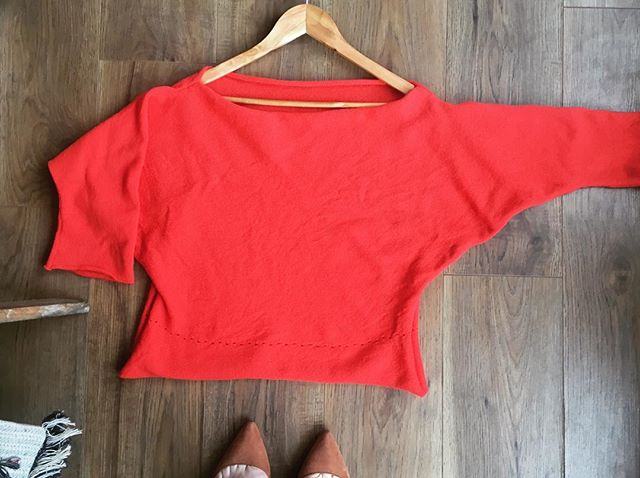 Lovely little bespoke top in 'cherryade'. This colour is so bold it almost glows 🍒 . This piece was based entirely on one of our own designs, just with slightly longer sleeves. Being able to make little tweaks like this is such a simple way of making something perfectly your own 💫 . #supportsmallbusiness #ecofashion #indiefashiondesigner #cherryade #lambswool #campaignforwool #bespokeknitwear #bespokemakers #handmadefashion #slowfashion #slowmade #classicstyle #wardrobestaple #britishknitwear #madeinbrighton #sustainableluxury #fblogger #indieretailer