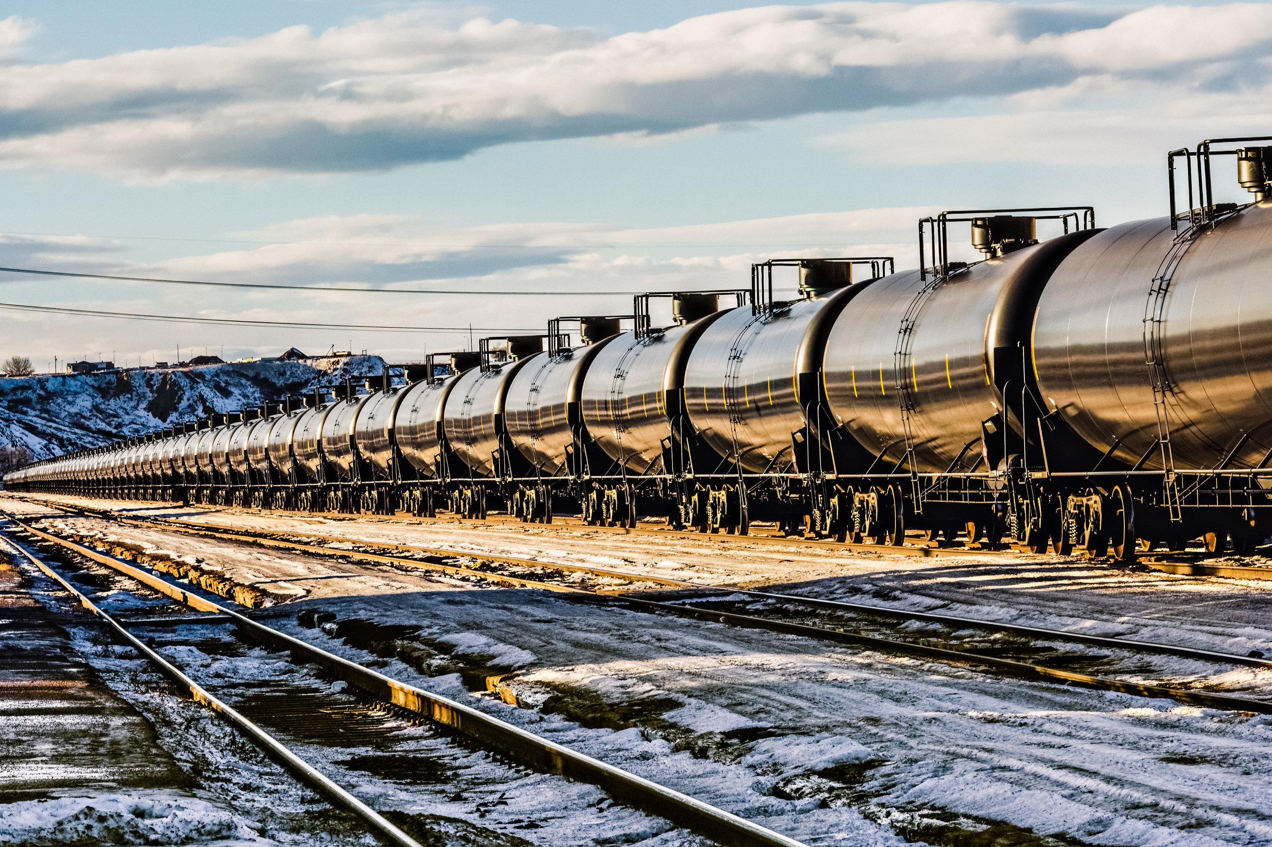 Oil-train-passing-through-a-Montana-railyard-from-North-Dakota-494906828_3869x2579.jpeg