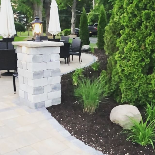 Guess what!? Our garden patio is finally complete and open for business tonight! Be the first to enjoy a beautiful new side of the Arad Evans Inn!