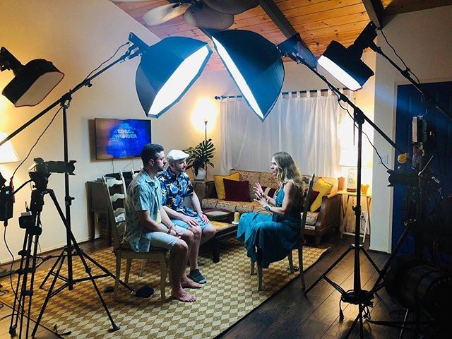 Filming an interview with the @onedgeofwonder guys, Ben and Rob while speaking at #CosmicWaves Conference in Hawaii. Such a sweet crew of sincere seekers and high level beings! #elizabethwilcock #edgeofwonder