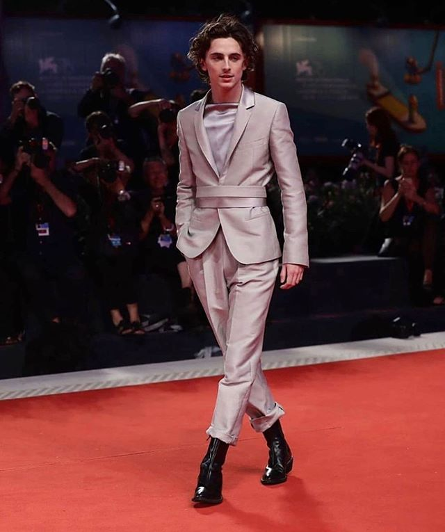 Can we talk about Timothée Chalamet red carpet look!! What are you wearing this TIFF season? #haiderackermann