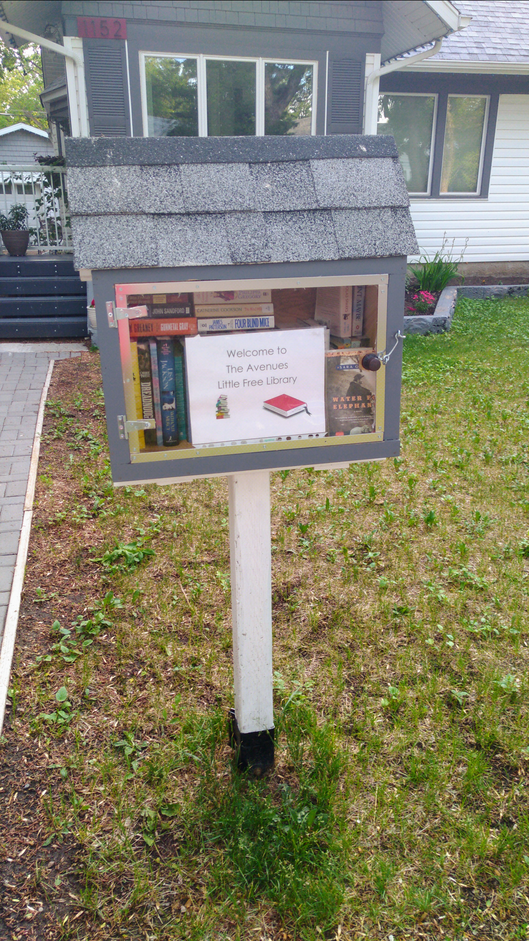 Although it might be Summer and the weather is nice there is a chance to read in The Avenues