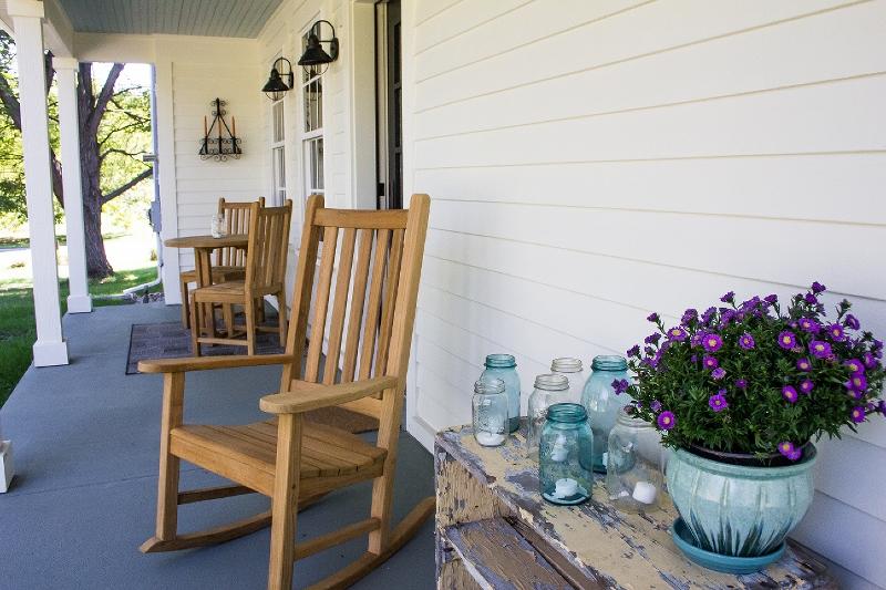 back porch 1 (800x533).jpg
