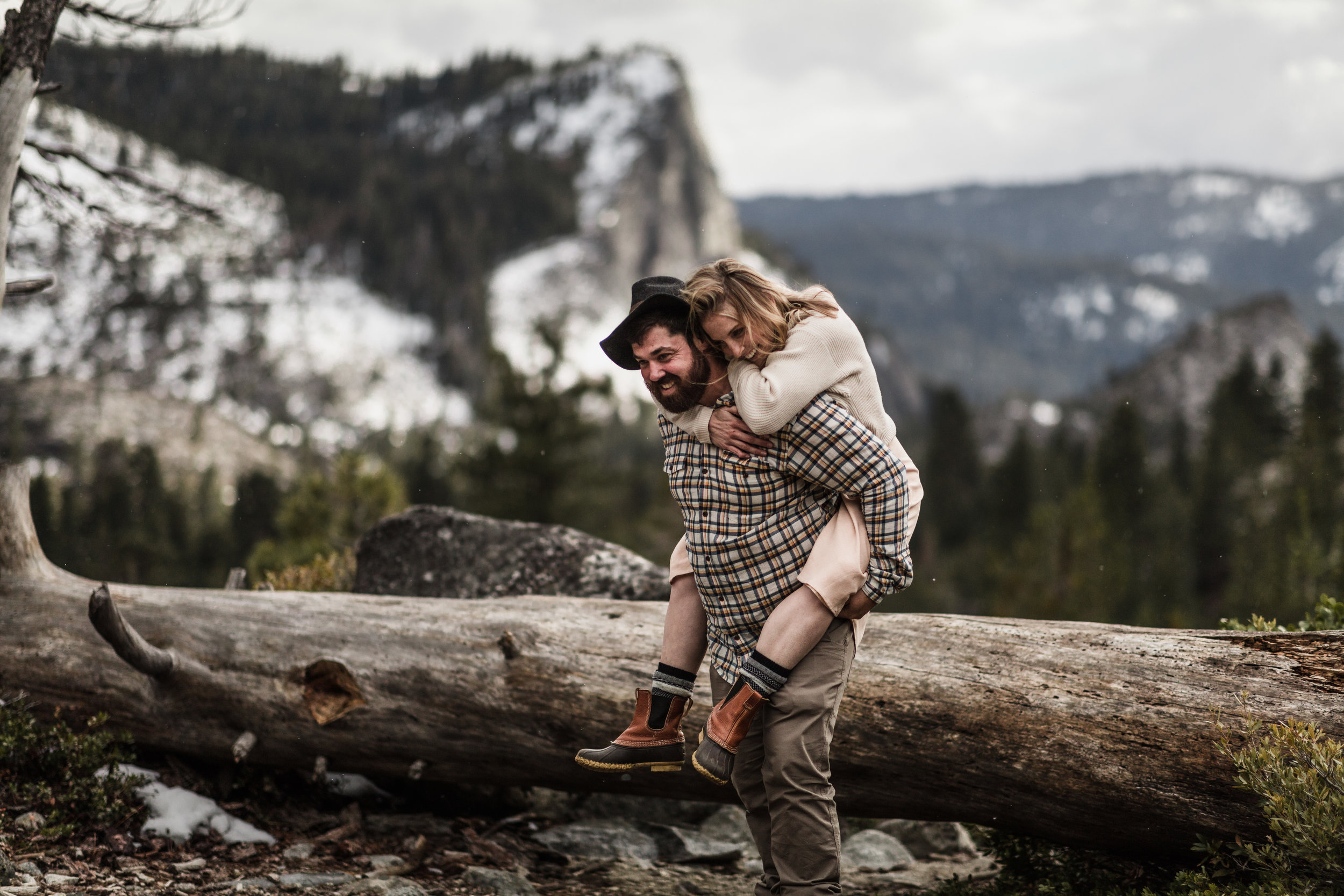 _P8A4367vildphotography-vild-photography-adventure-tahoe-portrait-Kelly&Brandon.jpg