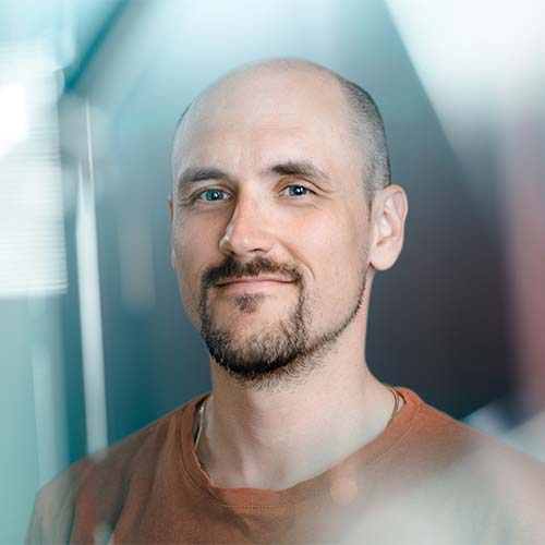 Markus Palmén  Producer | Director |Writer +358 40 596 0838  markus.palmen@smak.fi