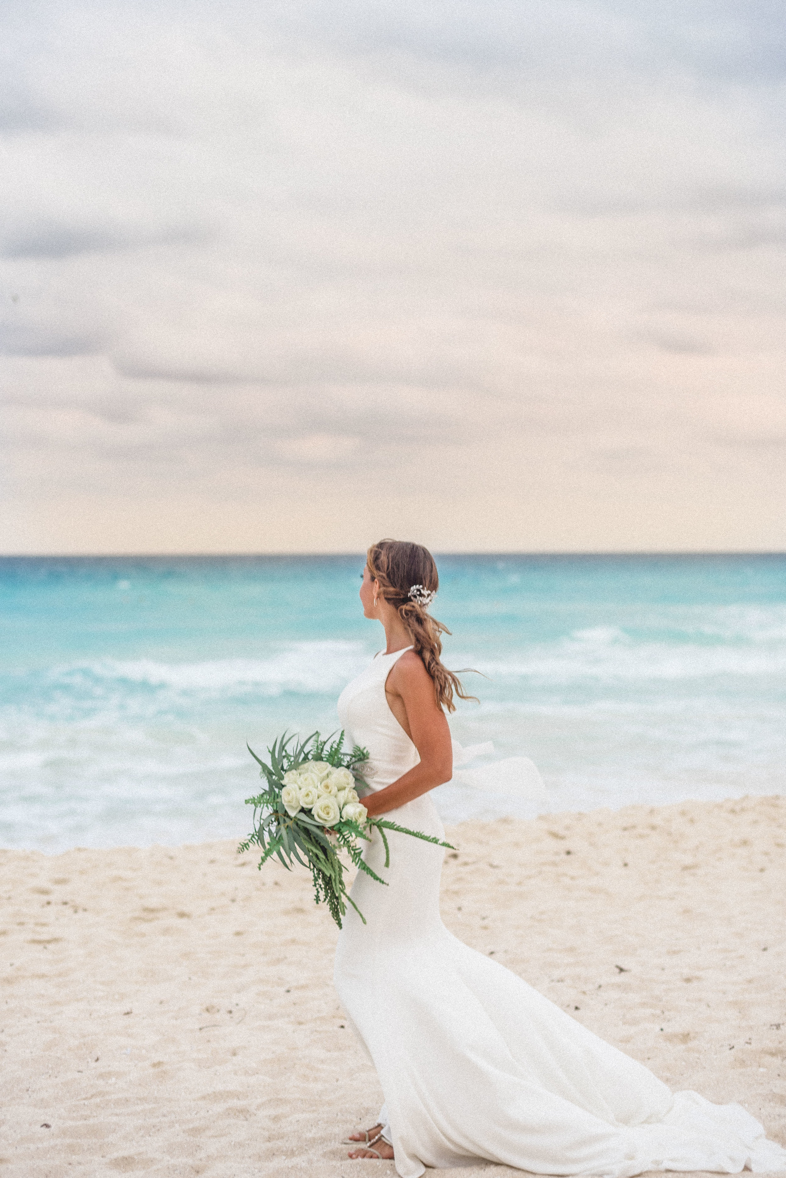 sayulita_mexico_wedding_bride-3.jpg