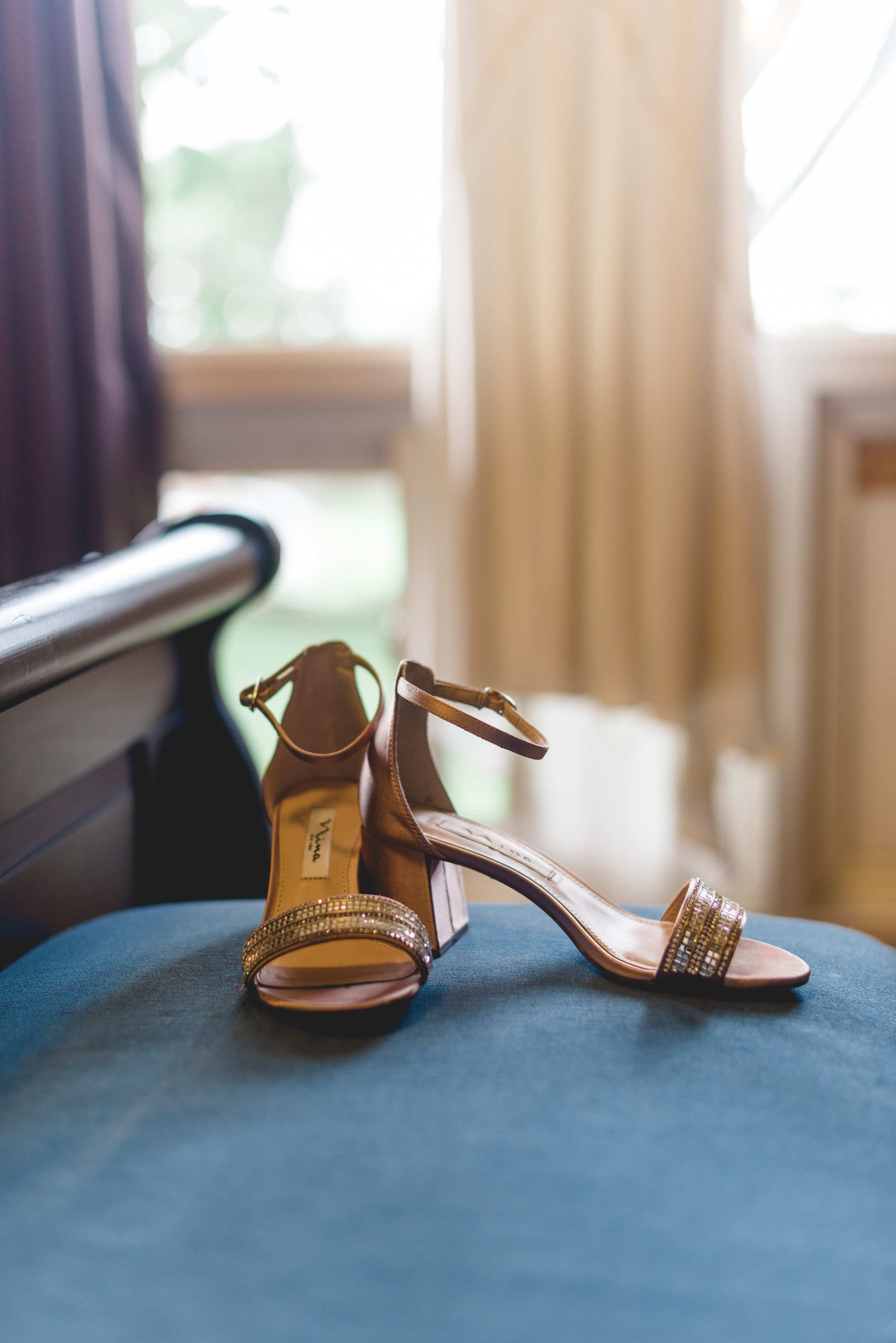 burns_deruntz-wedding-getting-ready-148.jpg