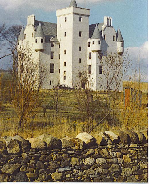 Leslie_Castle,_Geograph.jpg