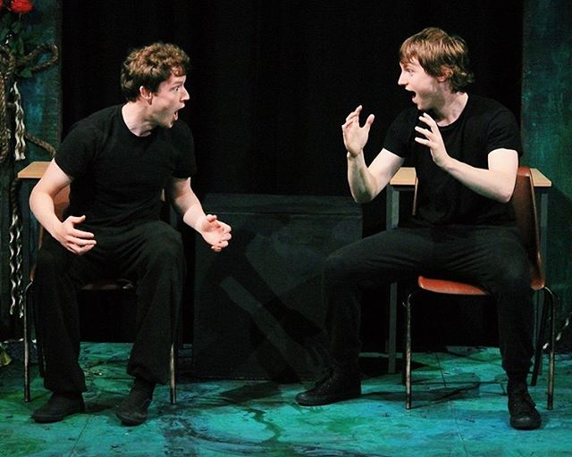 #mondaymotivation  Here's a shot of the mime piece that inspired our playwright to portray Git givin' it socks to impress a certain someone 💪🏻🧦 shout out to @eastwooddesmond ❤️. . . . . . #actor #irishactor #mime #soloshow #unitedsolo #monday #giveitsocks #marchalien #everydayimmiming
