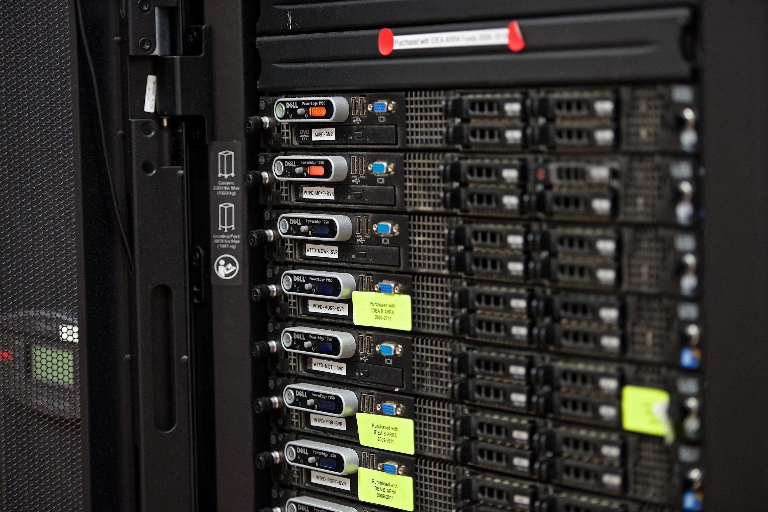 MesqISD 2015 ServerRm 9075-holmberg.jpg