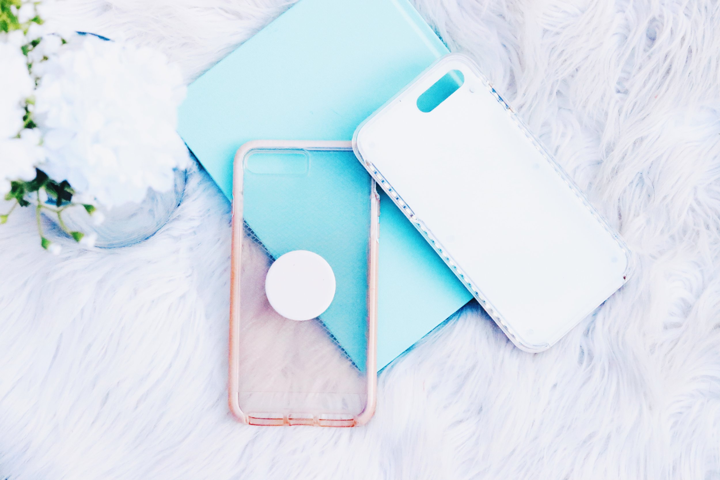 These are my go to cases! Of course I rely on my selfie light up case whenever I'm out on the town at night! This super simple clear case is extremely protective, my fav color and the best for pop-sockets!