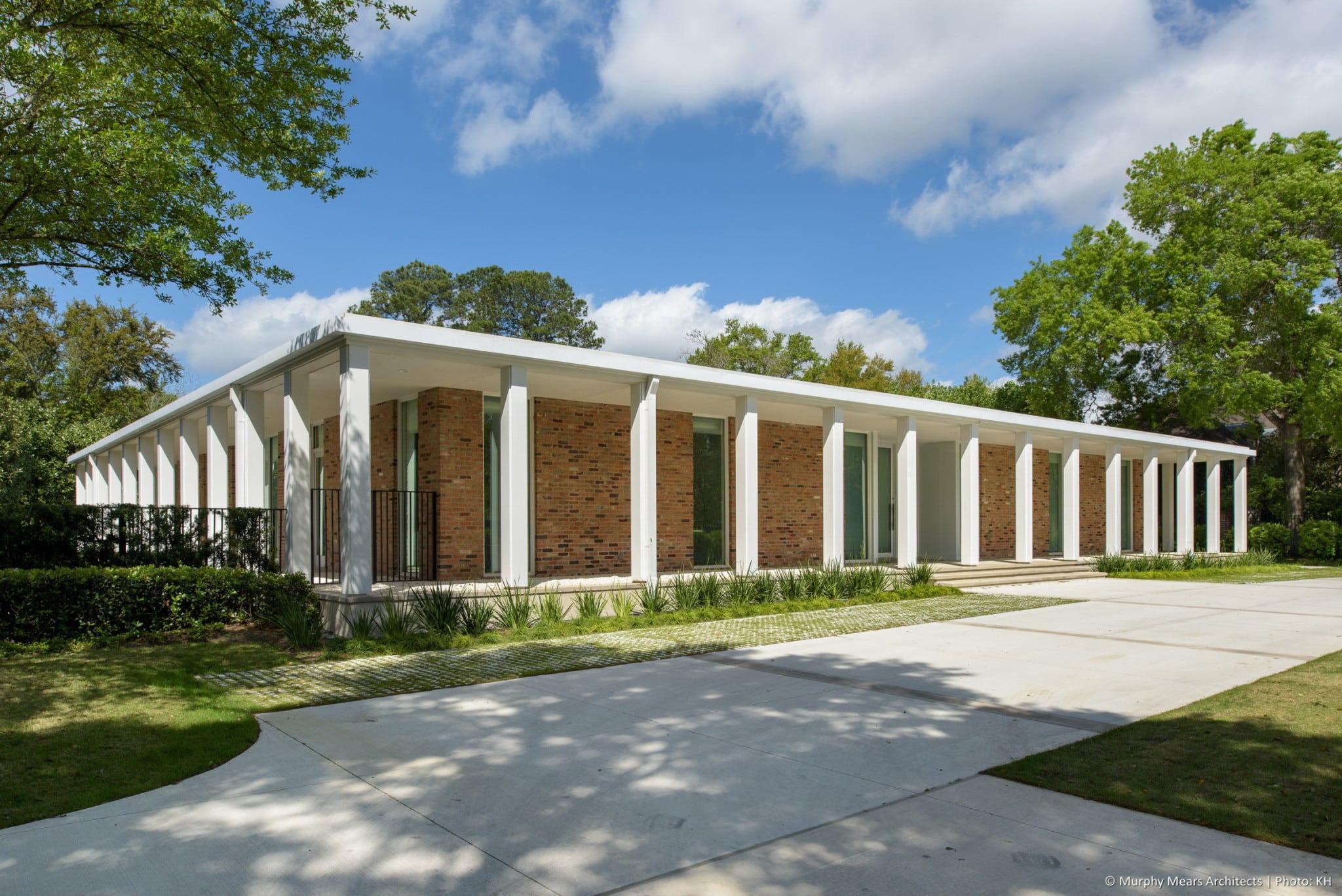 w-mid-century-modern-home-neuhaus-harwood-taylor-renovation-grass-pavers-autocourt.jpg