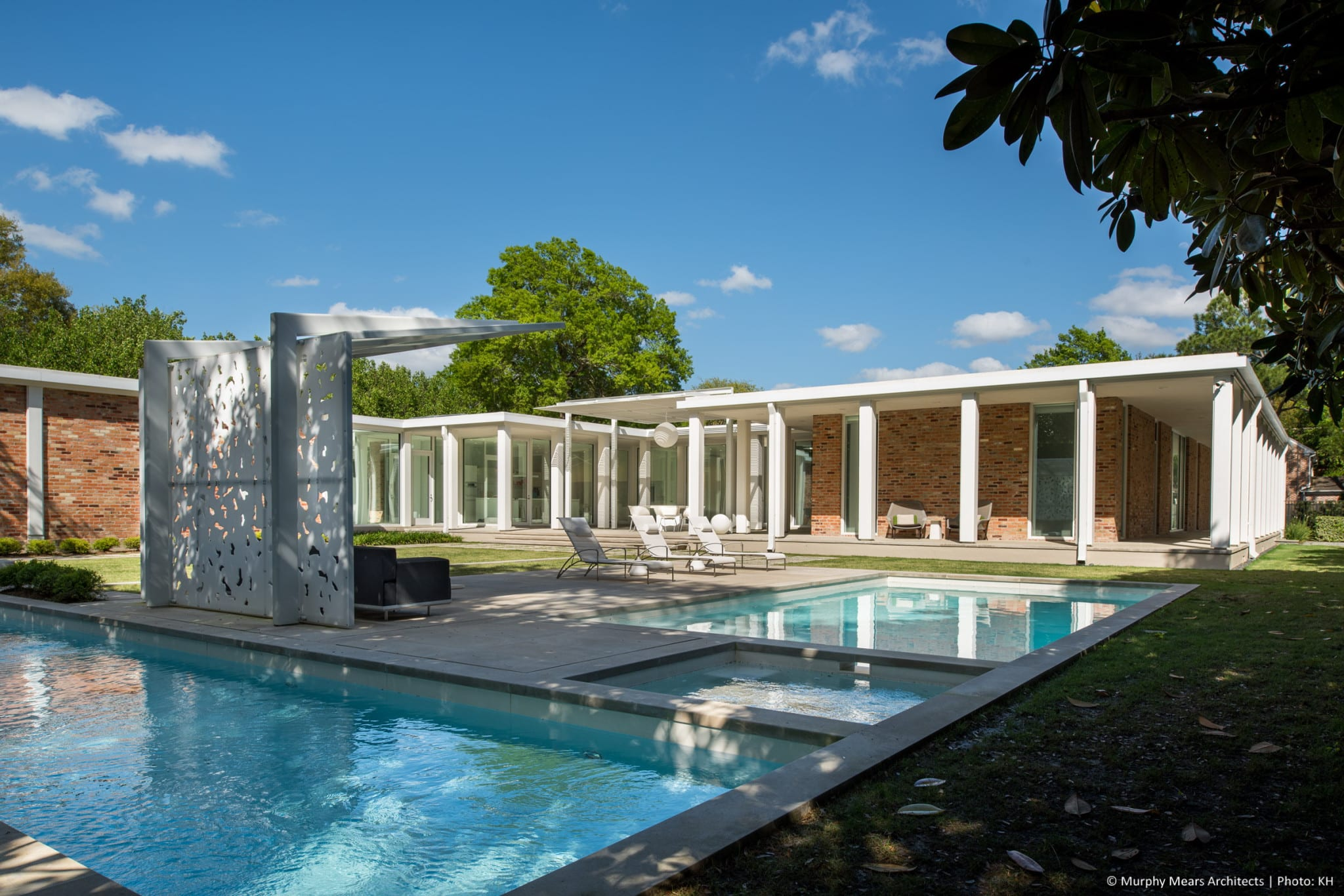 w-mid-century-modern-home-neuhaus-harwood-taylor-renovation-pool-porch-afternoon.jpg