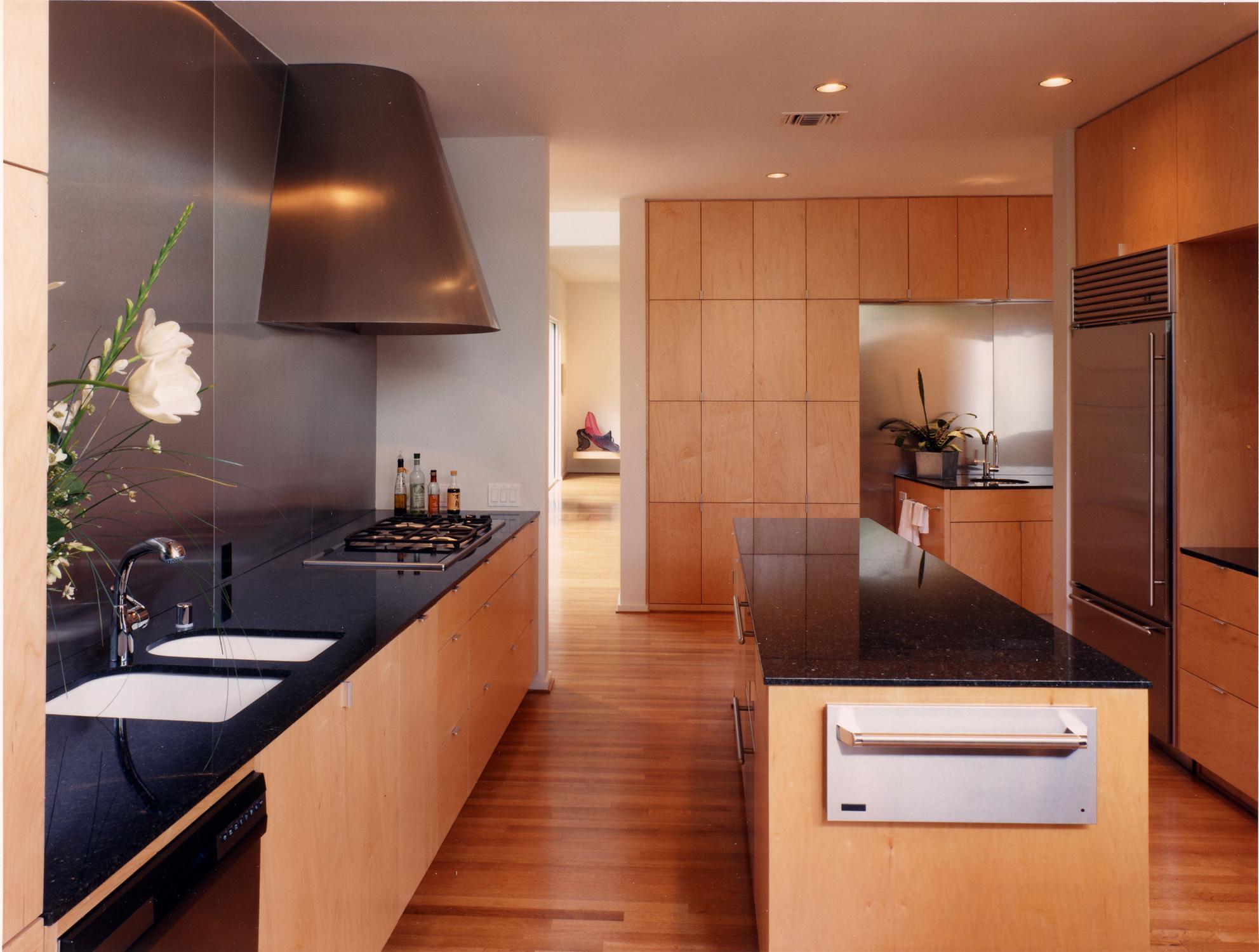 032 Johnson kitchen.jpg