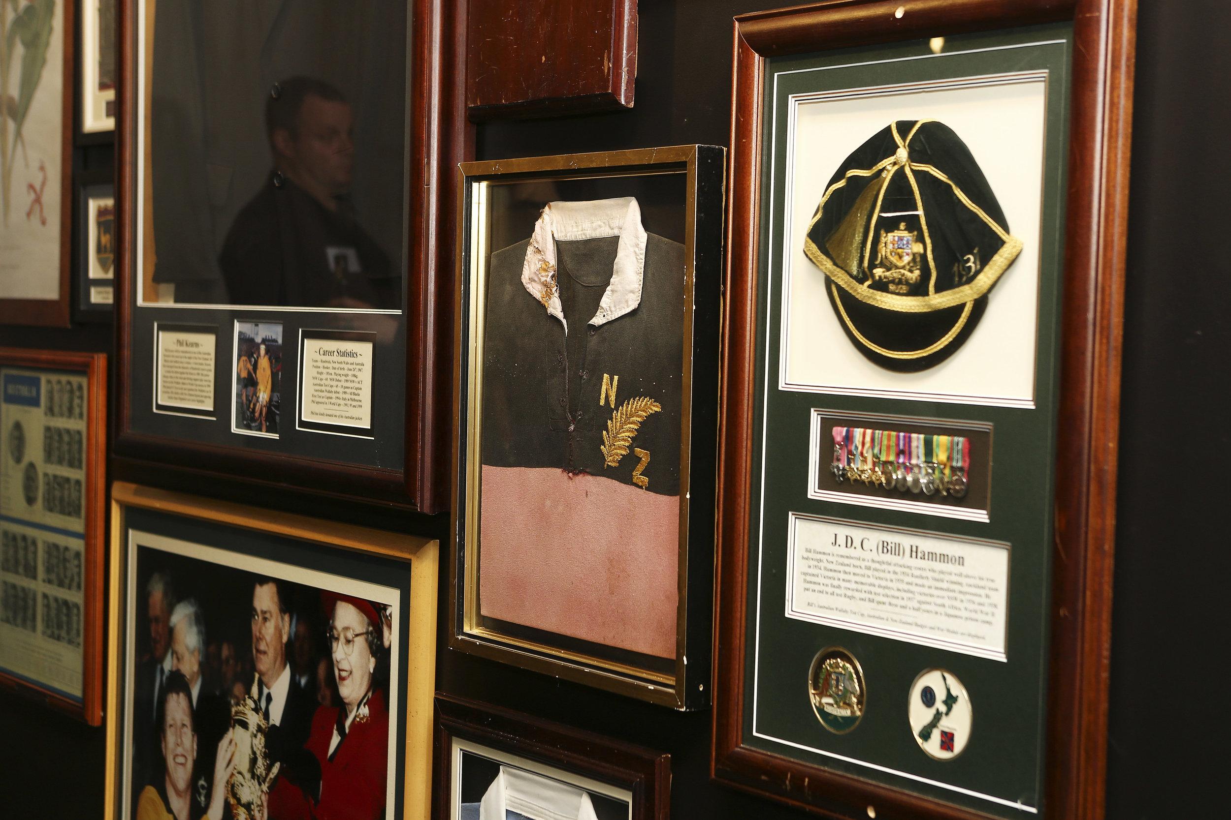 Features on the wall 377A5326 © Karen Watson.jpg