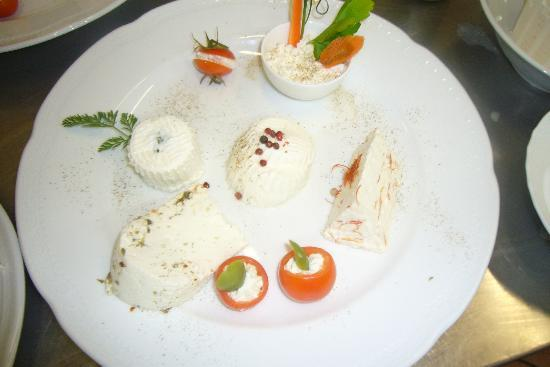 antipasti formaggi freschi.jpg