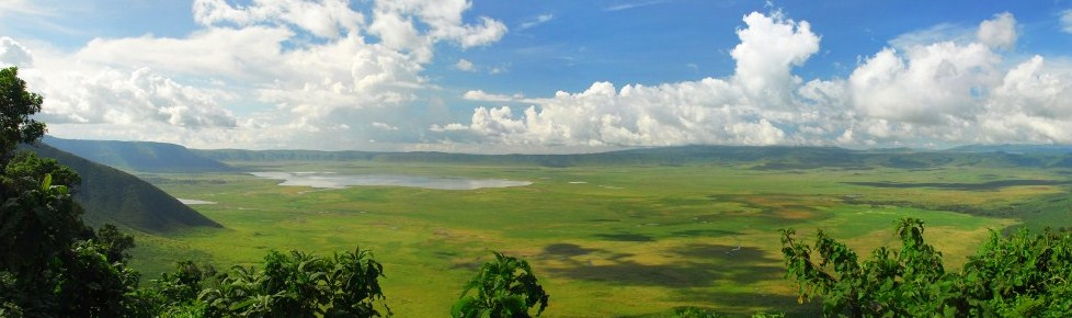 NgorongoroCraterPanorama.png