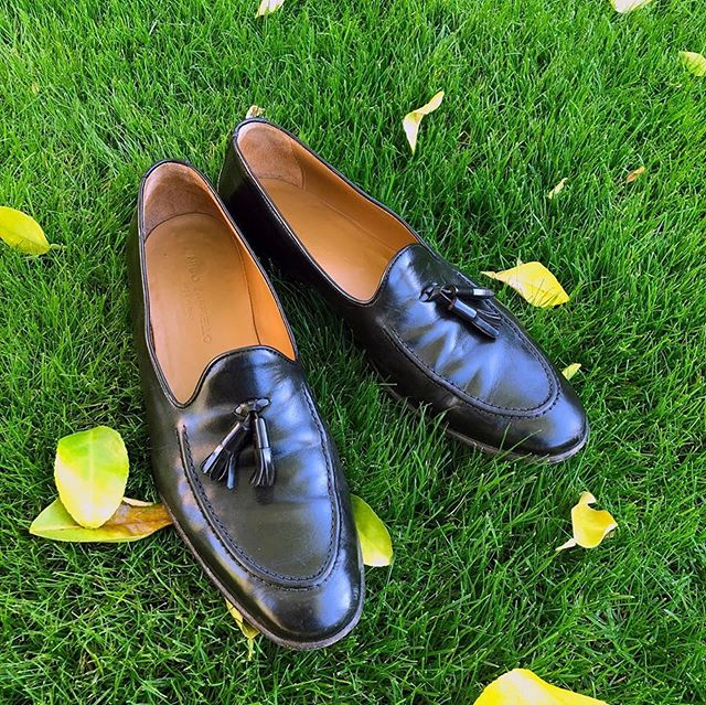 Leaves are falling. Autumn is calling. 🍁🍁🍁🍁🍁 Classic and comfortable. Shop the LANCETTA Brown Tassel Loafer. and more to discover.  #nicozappiello #mynicos #italianmade #madeinitalyshoes #menssfashion #mensstyle #mensshoes #autumn