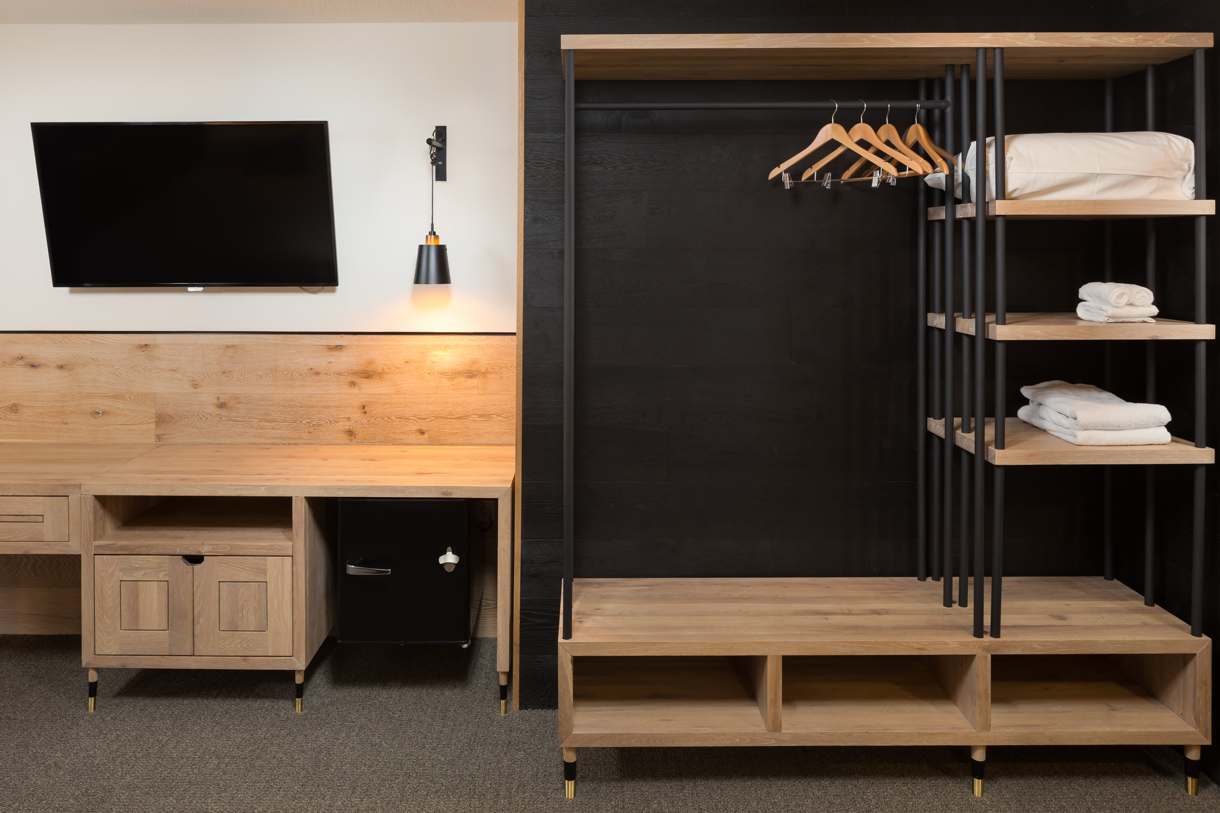 The Island_Boutique Hotel / Custom Cabinetry