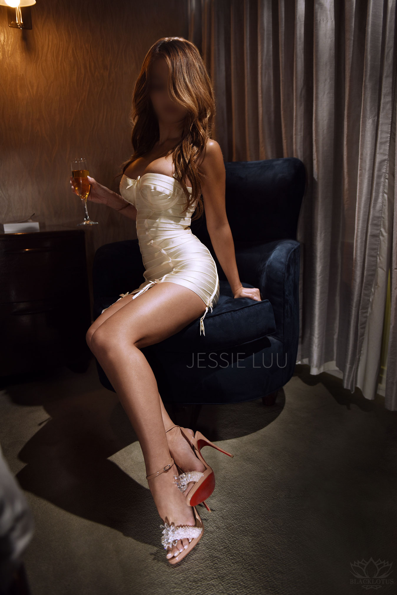 independent-asian-escort-louboutin.jpg