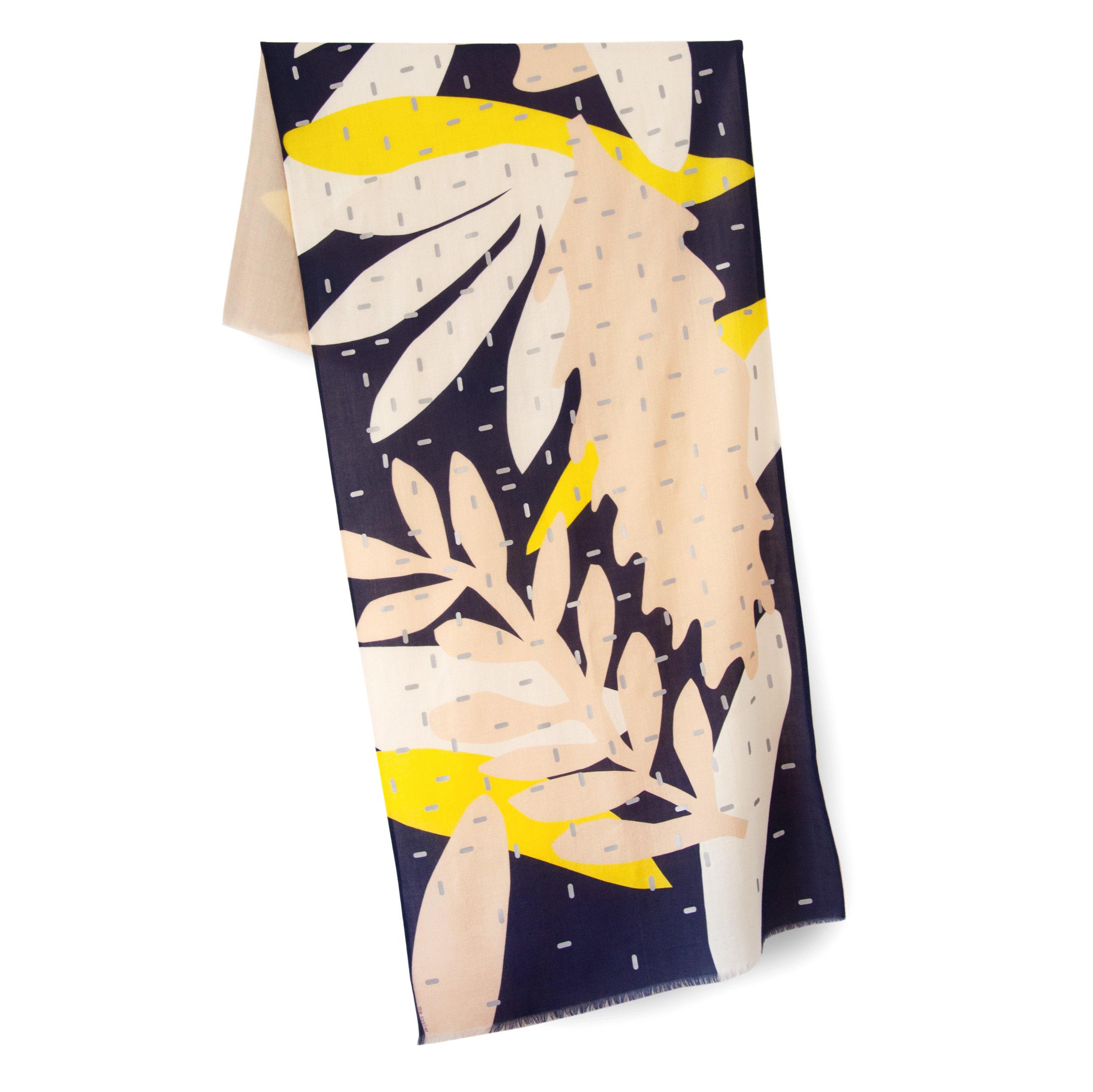 woollen scarf with reflective details | Jude