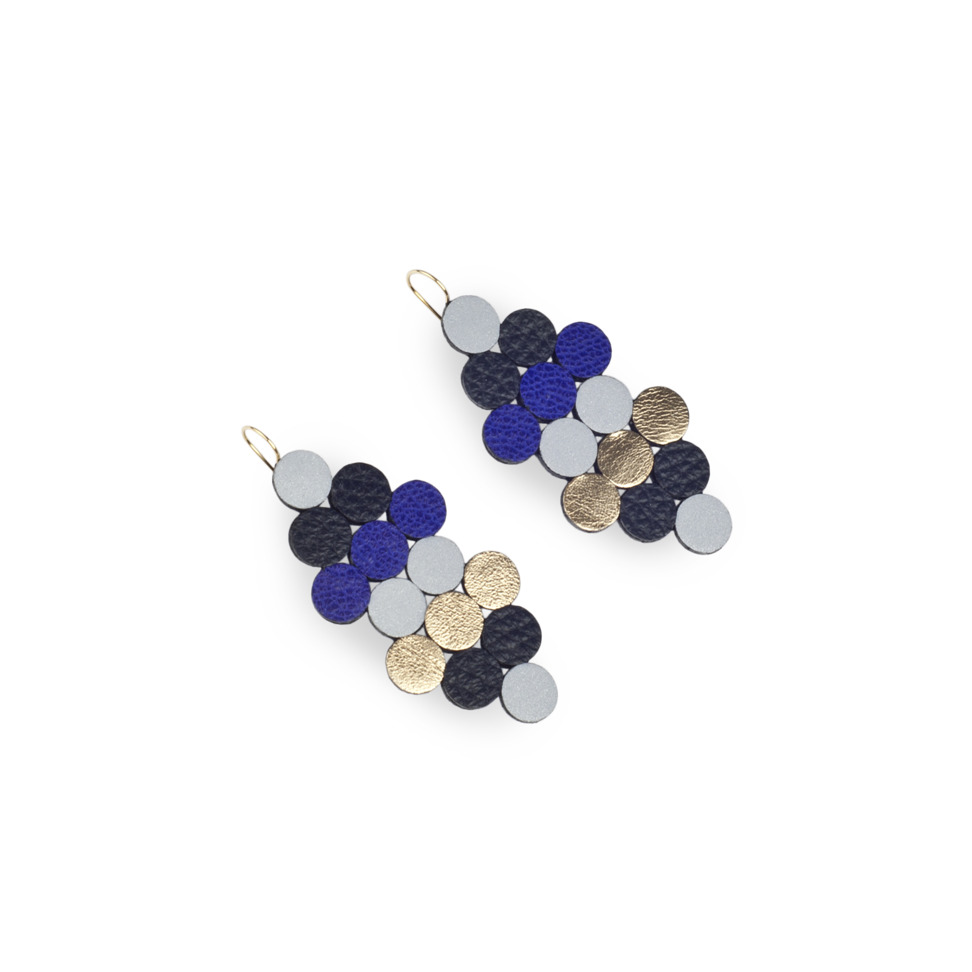 leather earrings with reflective details | Isabella