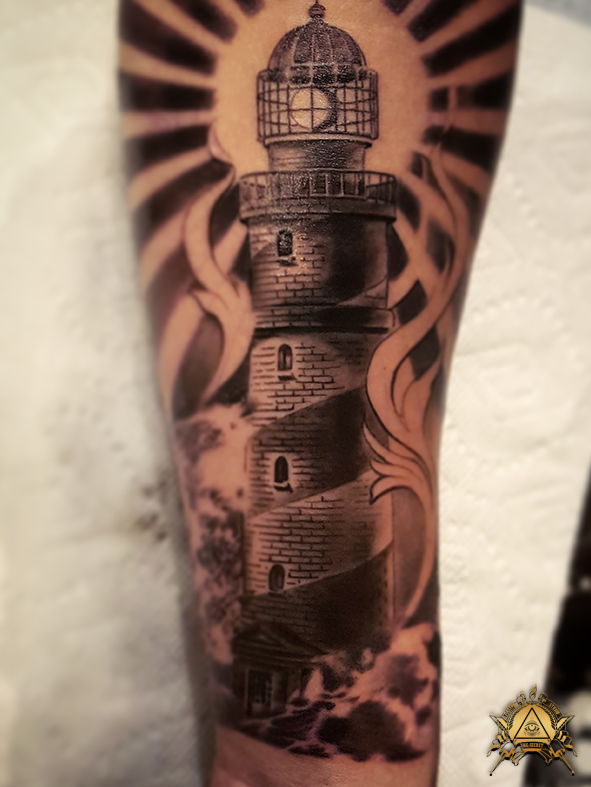 lighthouse-by-camilo-pardo.png