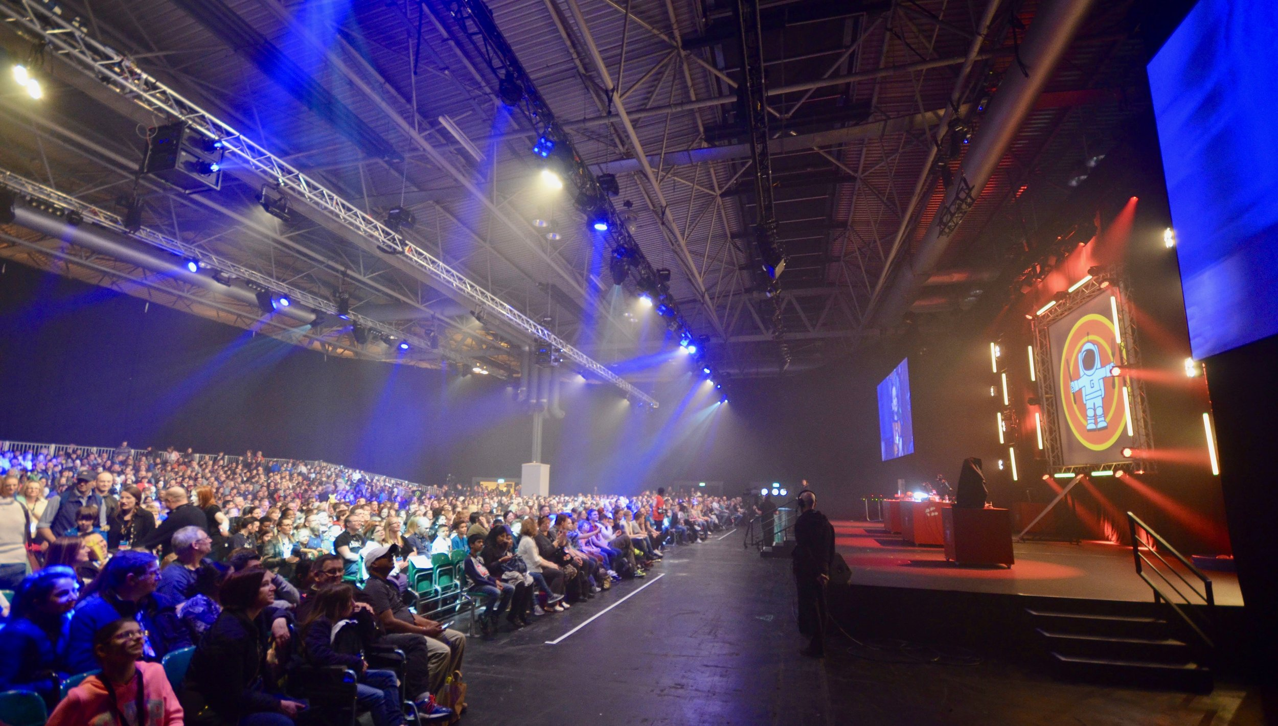 ADVENTURES IN FOOD + SCIENCE - WE MAKE AWARD-WINNING TV, BOOKS, RADIO AND WORLD-CLASS LIVE STAGE SHOWS