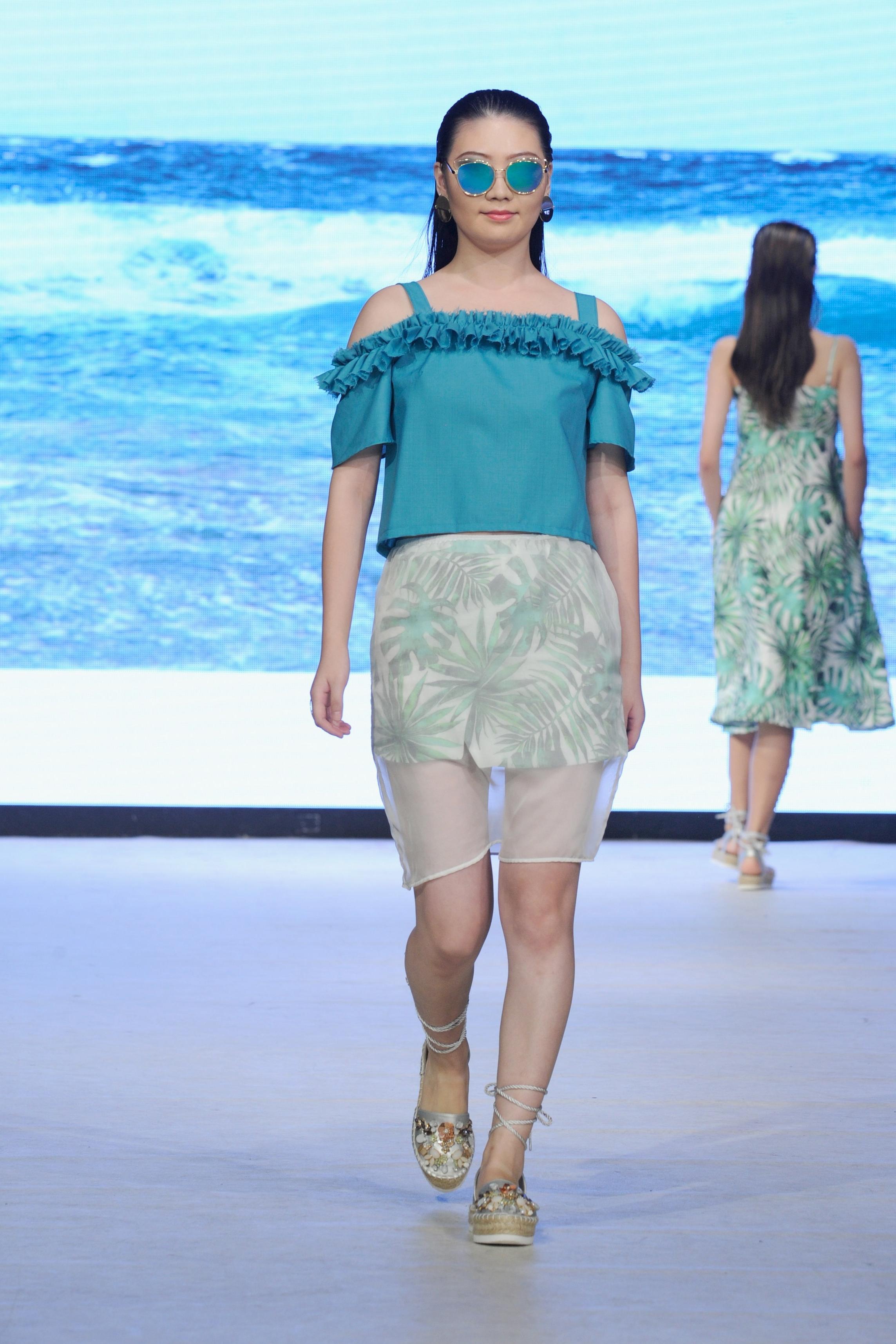 look 3 - 100% merino wool top100% linen wrap skirt100% silk chiffon skirt