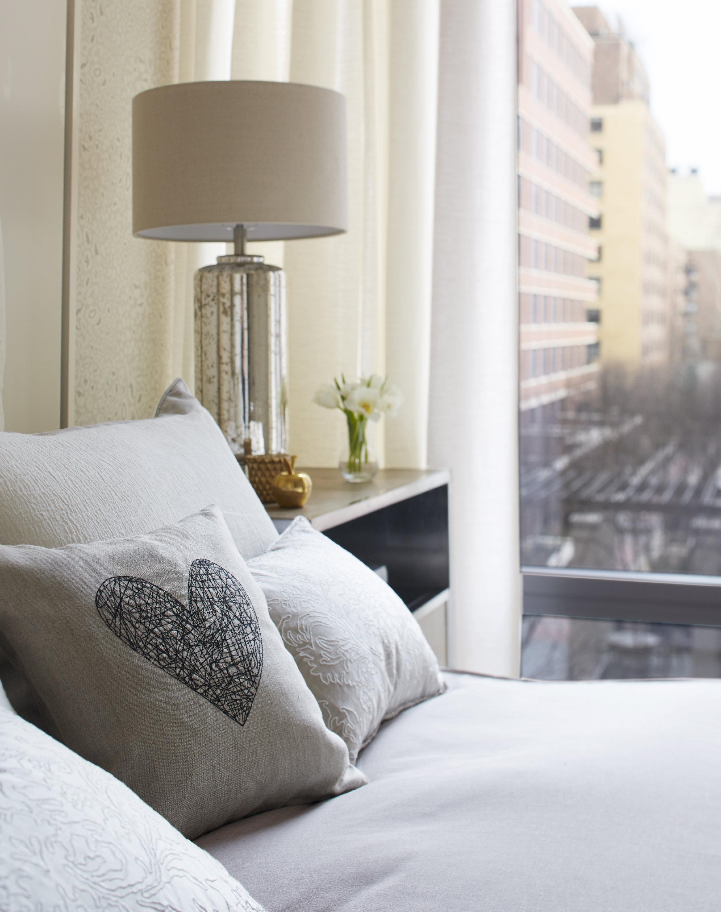012_ guestbedroom_detail_25874a.JPG