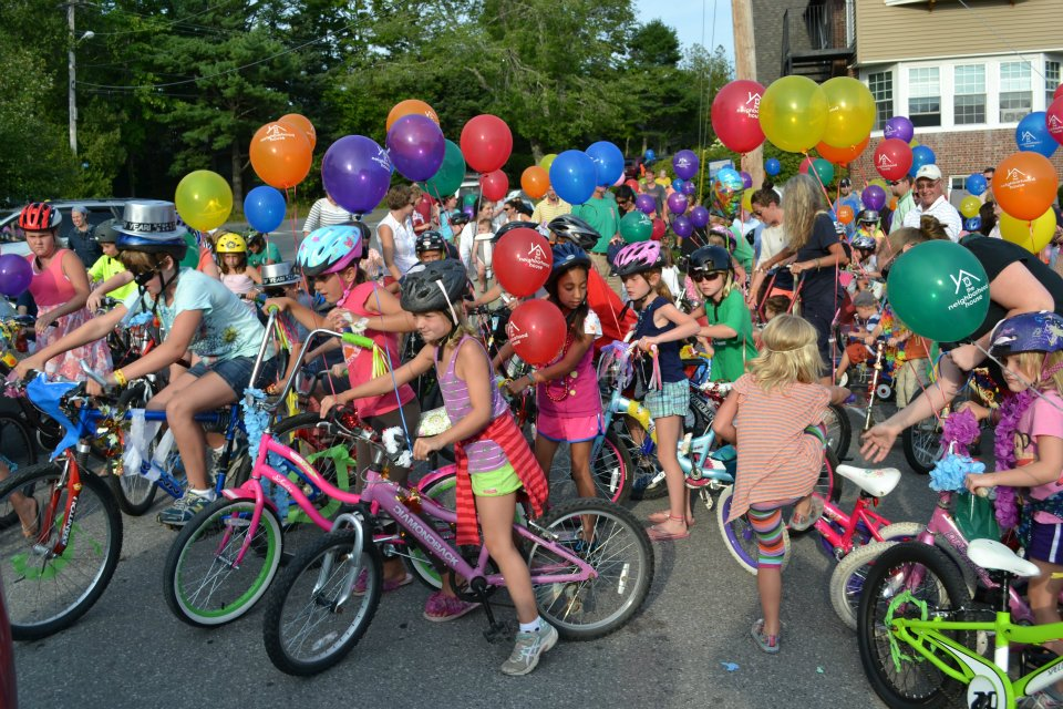 A crowded field at the 2012 edition of the Bike Parade & ice Cream Social…