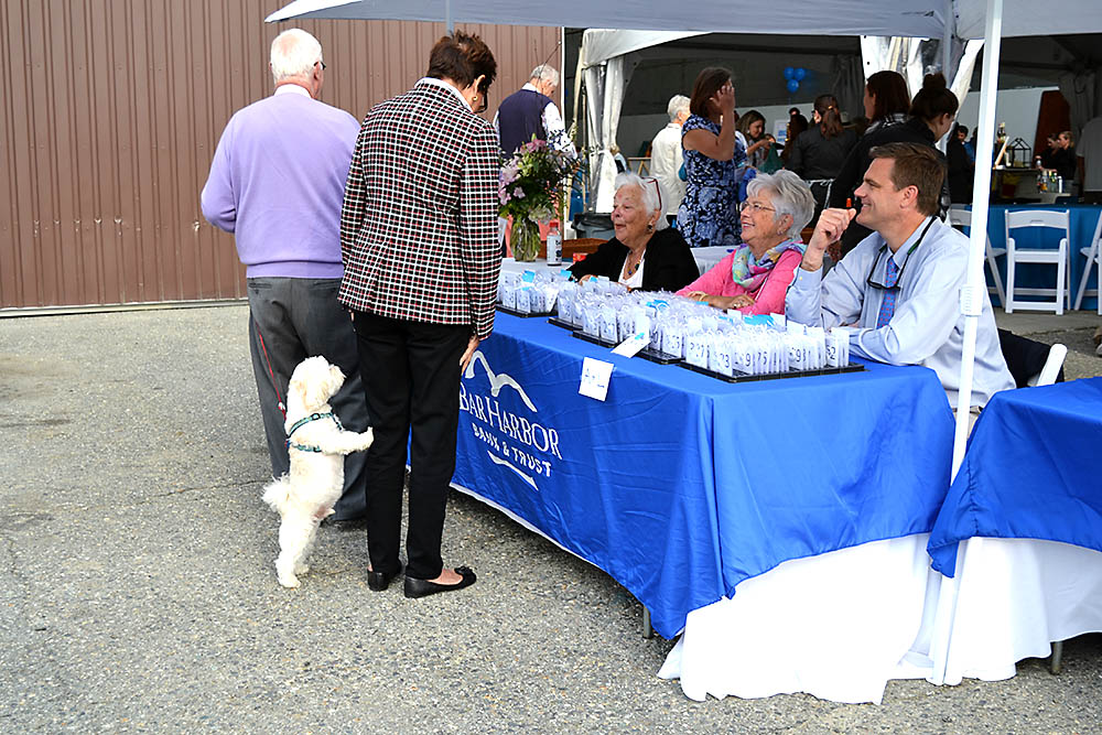 Our crack staff of volunteers helped get more than 300 guests checked-in smoothly… even the four-legged ones.