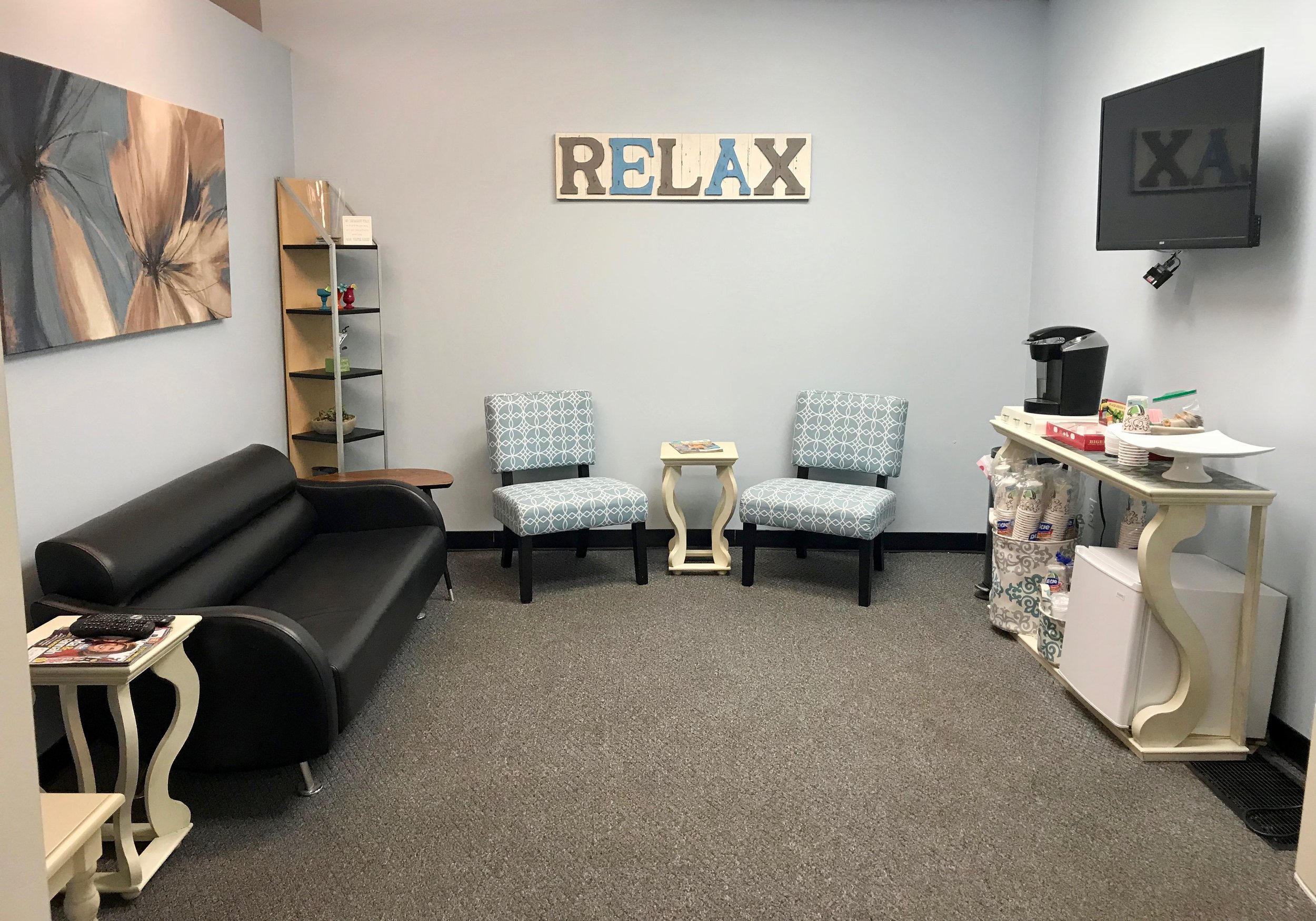 Weddings - Let us take the stress out of your wedding day. Dynamic Image has a private room for you and your wedding party to relax and enjoy while you prepare for your big day. Call to schedule and we will help you with all the details!