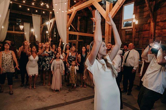 THROW your hands in the air if you LOVE wedding season! 🙌🏻 • • • #wedding #weddingseason #beechridgebarn #maine #maineweddings #weddingvenue #barnwedding #summerwedding #beautifulflowers #amazingphotography #bombcatering #eventplanning #mrsandmrs #love #happydance #family #friends #happiness #marriedlife #memories #possibilitiesareendless