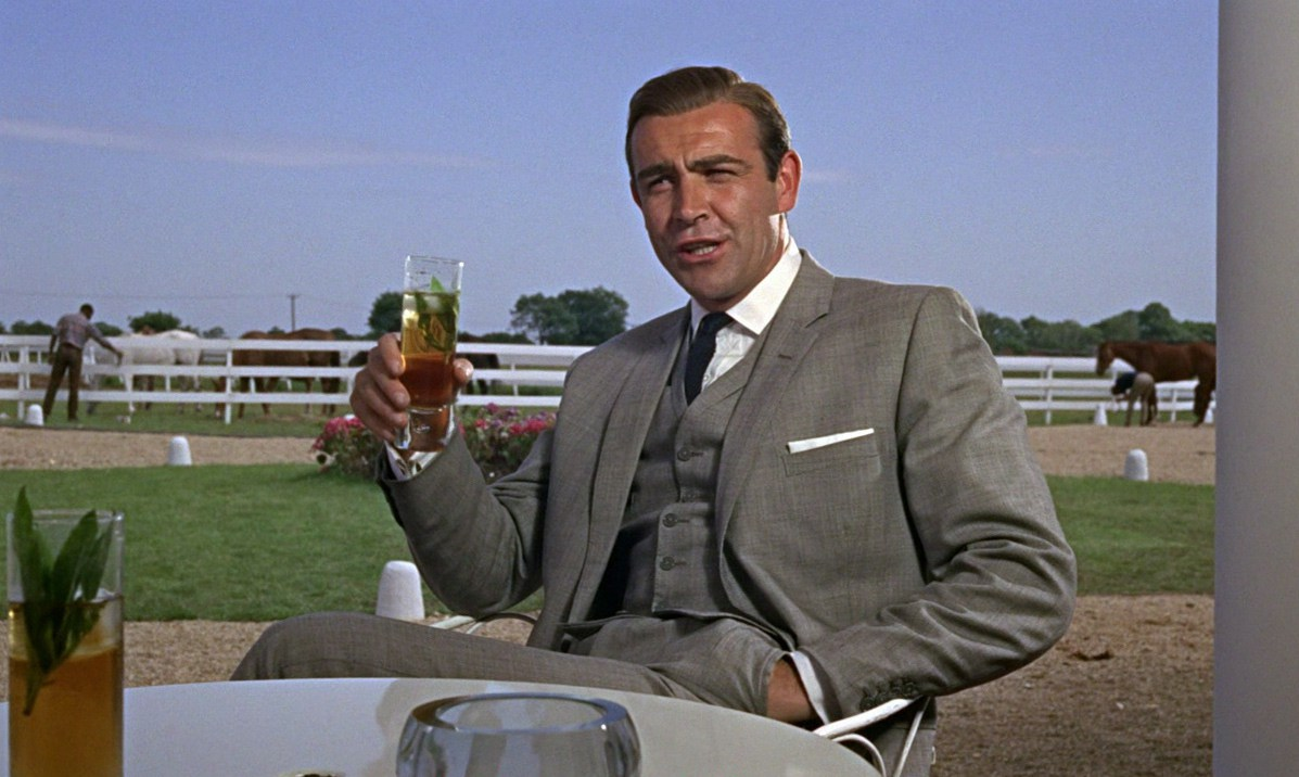 Source: Some Fims and Stuff Blog https://somefilmsandstuff.com/2013/09/25/james-bond-retrospective-goldfinger/