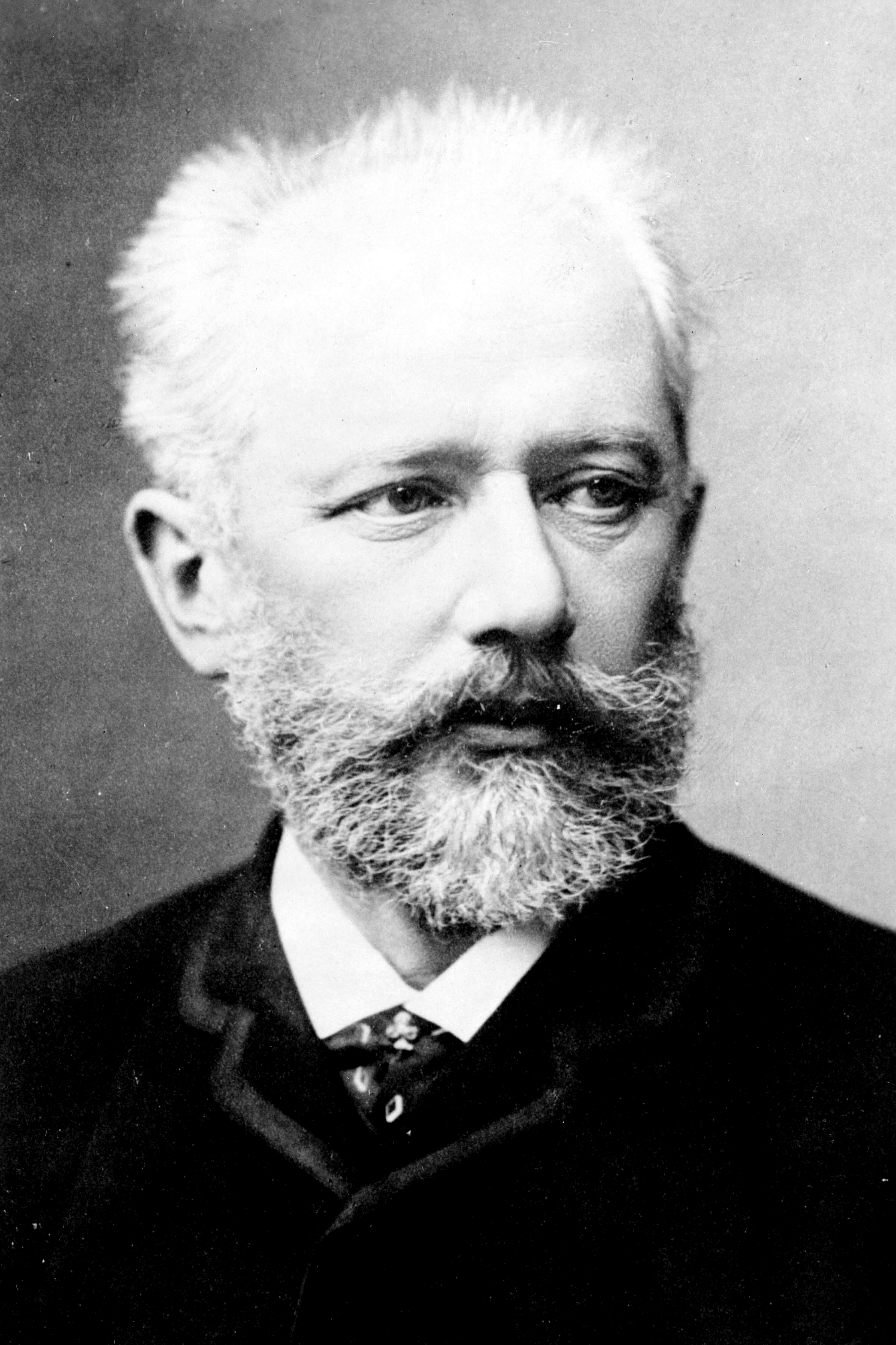 Portrait of Pyotr Ilyich Tchaikovsky, source: https://commons.wikimedia.org/wiki/File:Tchaikovsky2.jpg