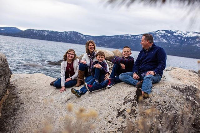 I adore this family. Always down for climbing the rocks, hiking around, or even skiing. It's the adventure behind the shoot that makes it a memorable experience 🙂🌅 • • • #weddingphotographer #weddingphotography #engaged #weddings #laketahoewedding #laketahoeweddingphotographer #familyphotos #winter #reno #renophotographer