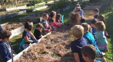 KELT_LOCAL Garden class_CharlotteThompson.JPG