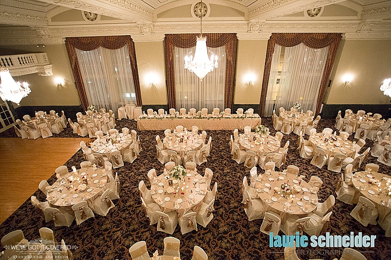 Wedding reception with decoration ideas that include gold and ivory