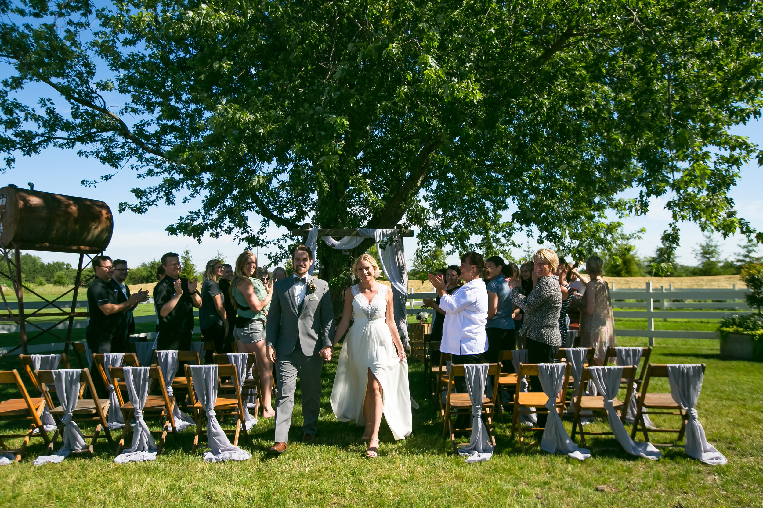 Venue:    Redeemed Farm     Photography:    Jeannine Marie Photography