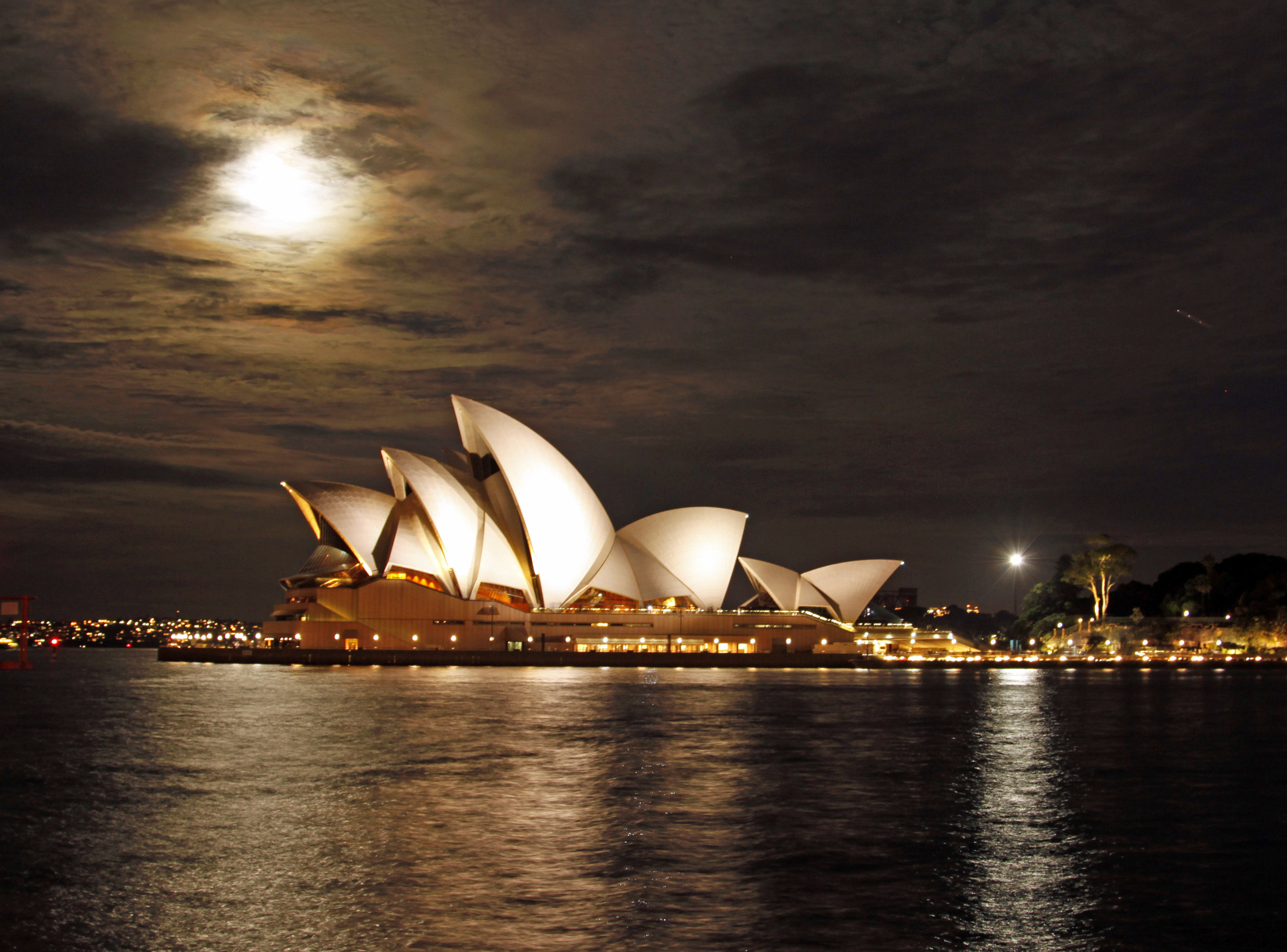 """Australia Vacation Inspiration - 11 DaysPrivate charter flights provide travel throughout AustraliaChampagne and canapés watching the spectacular setting desert sun bathe mystical Uluru""""Foodie Tour"""" in Sydney featuring visits and tastings at some of the city's local eateries and culinary landmarksFull-day swimming, snorkeling and marine life exploring on an eco-cruise to Agincourt Reef in the Outer Great Barrier ReefWorld Heritage Rainforest with Skyrail Rainforest CablewayVisit to a crocodile farmOvernight stay in the Outback with daytime exploration of Uluru (Ayers Rock)Private luncheon cruise of stunning Sydney Harbour"""