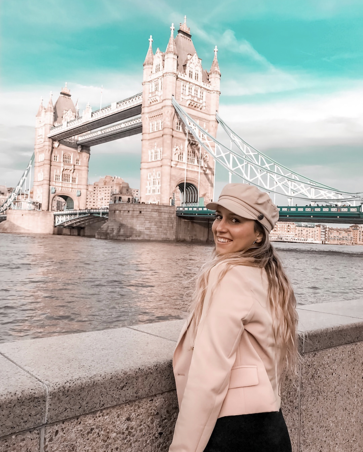 Elena Monteleone in London - IG: @Elenamonteleone