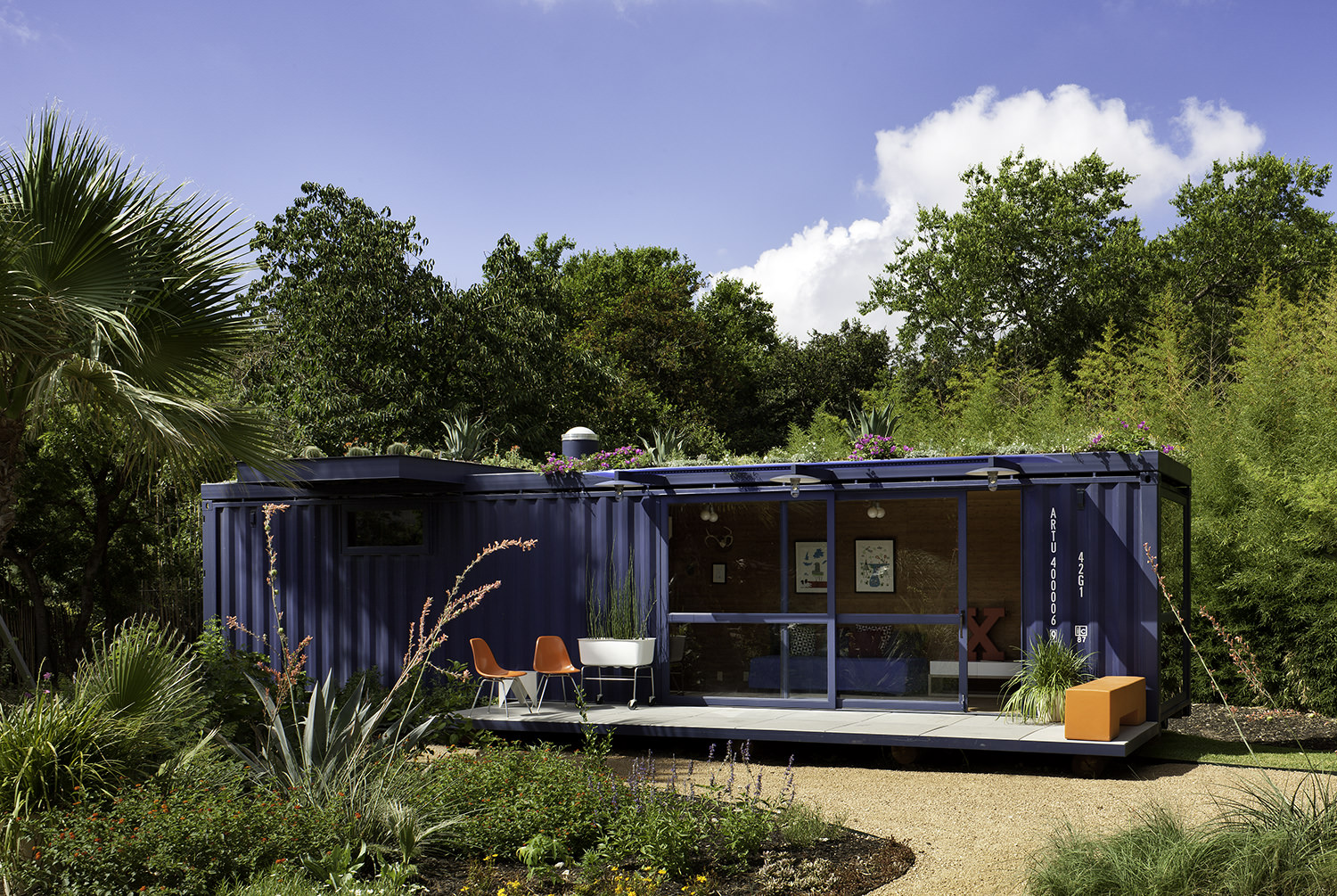 container-guest-house-1.jpg