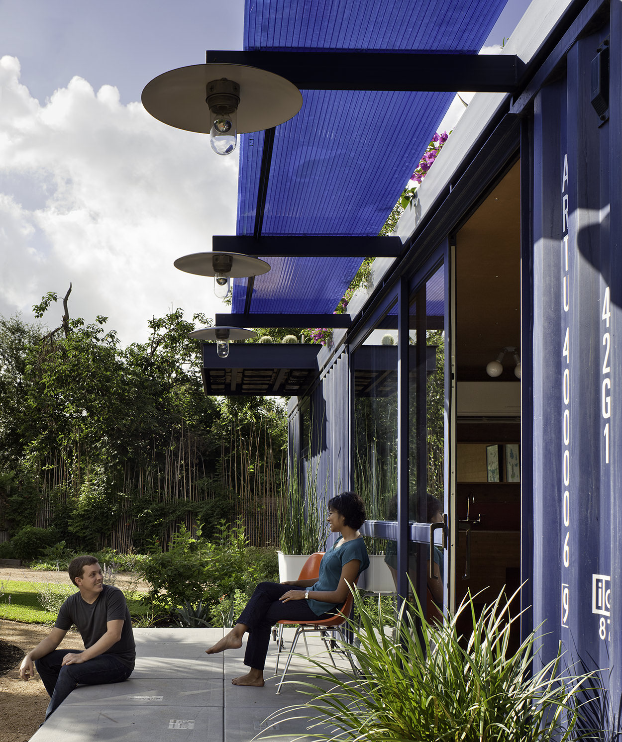container-guest-house-12.jpg