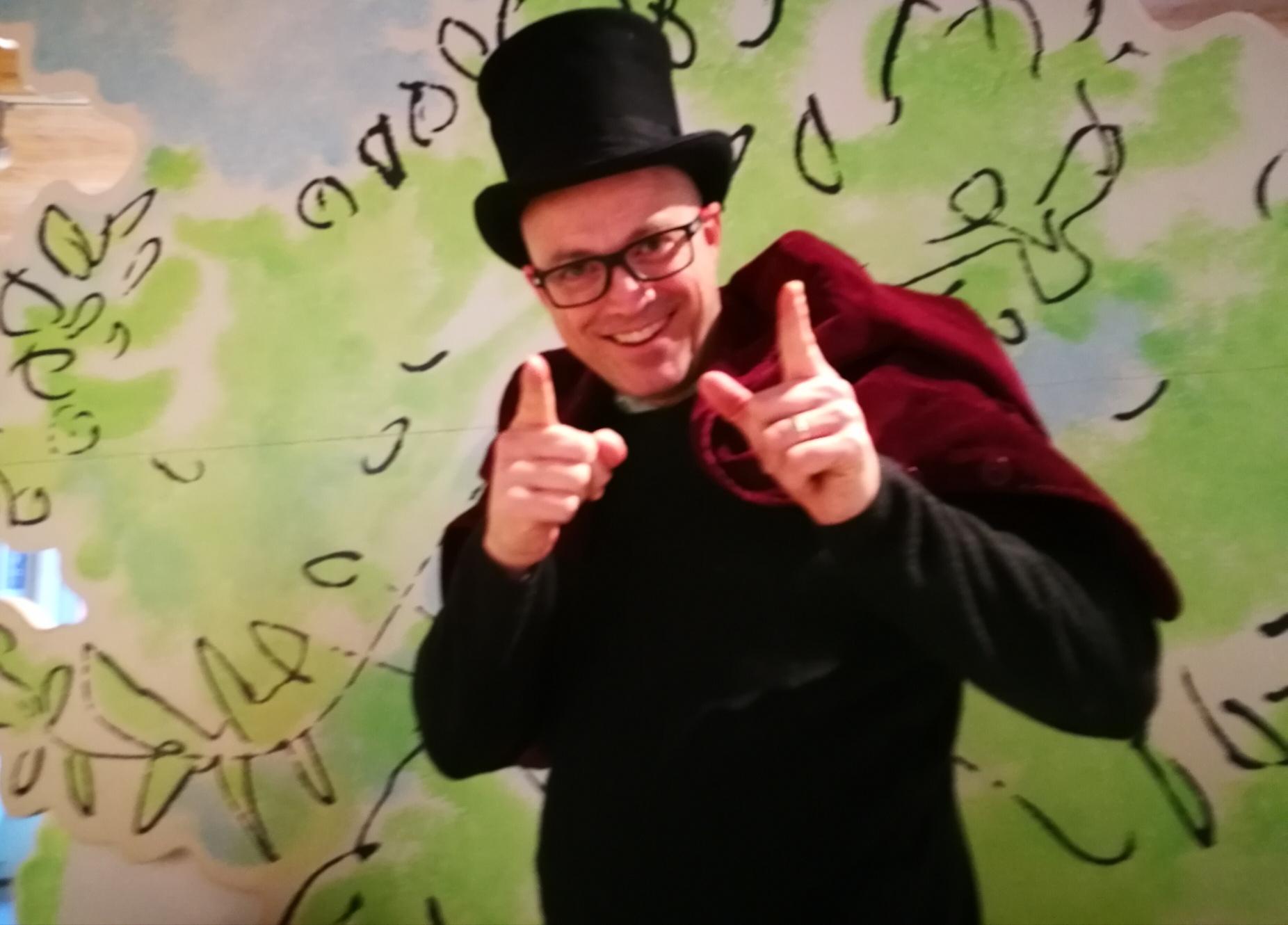 Mr_Wonka_hat.jpg