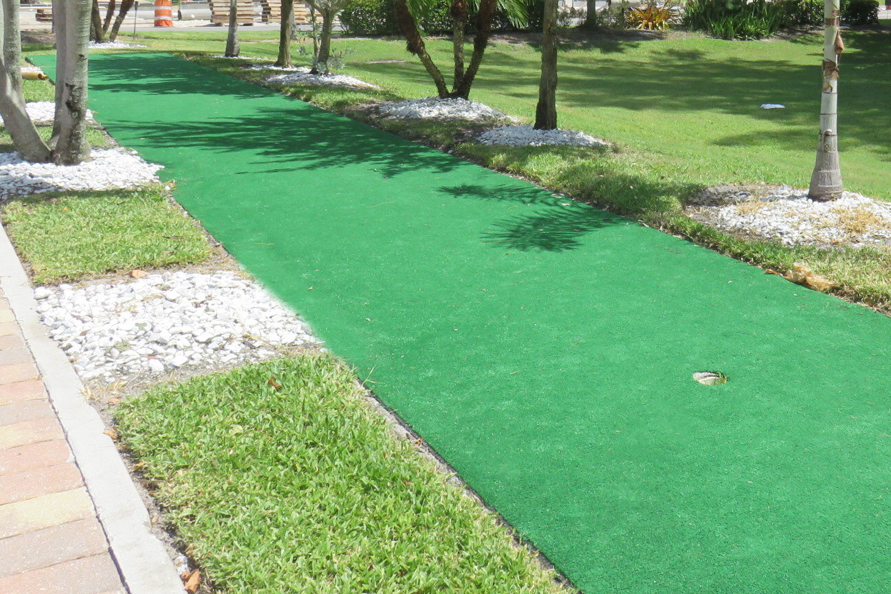 2 hole putting green