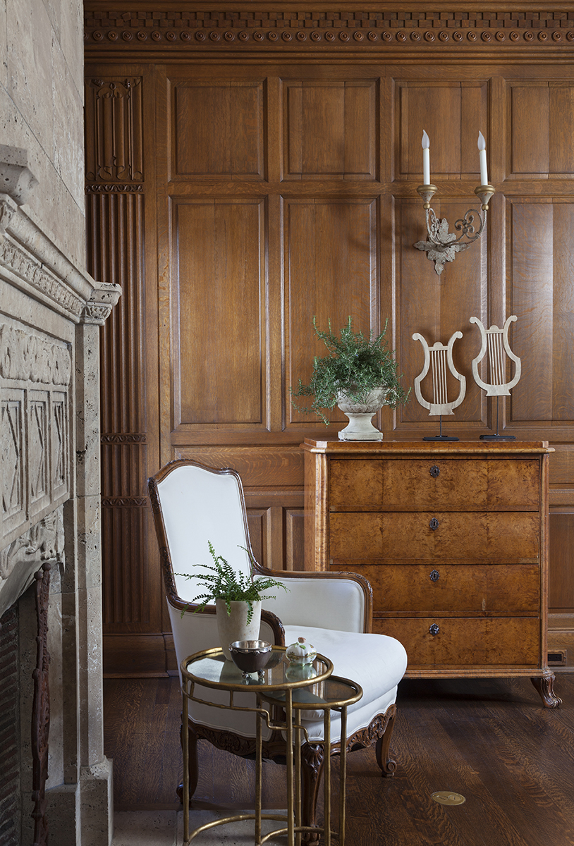 traditional interior design wall paneling white chair