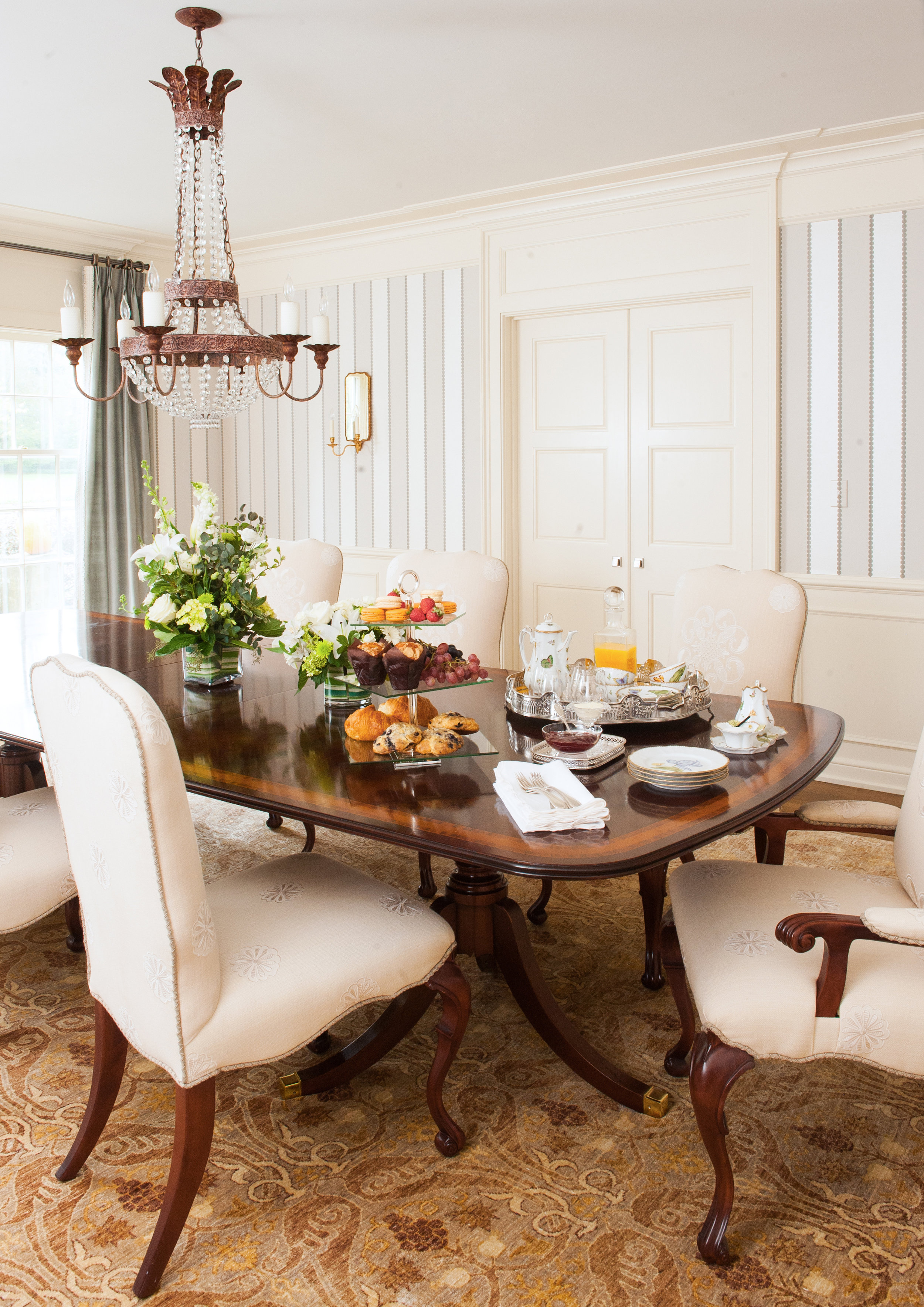 traditional interior design dining room striped wall covering chandelier