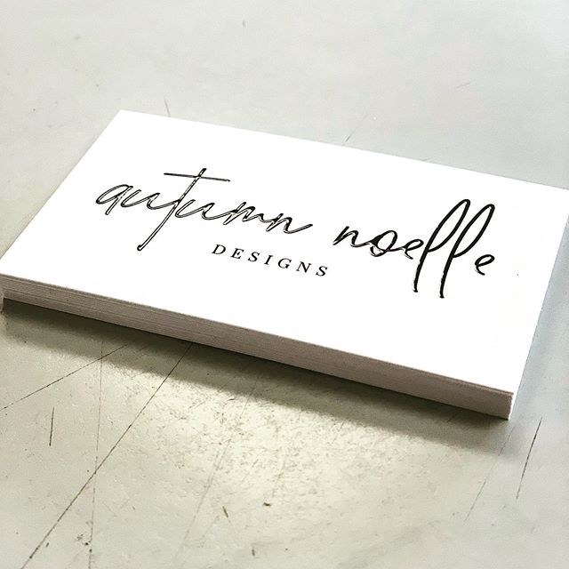 Simplistic & elegant business card design, printed on a 16pt Stock with suede finish and raised Spot UV. 🎩