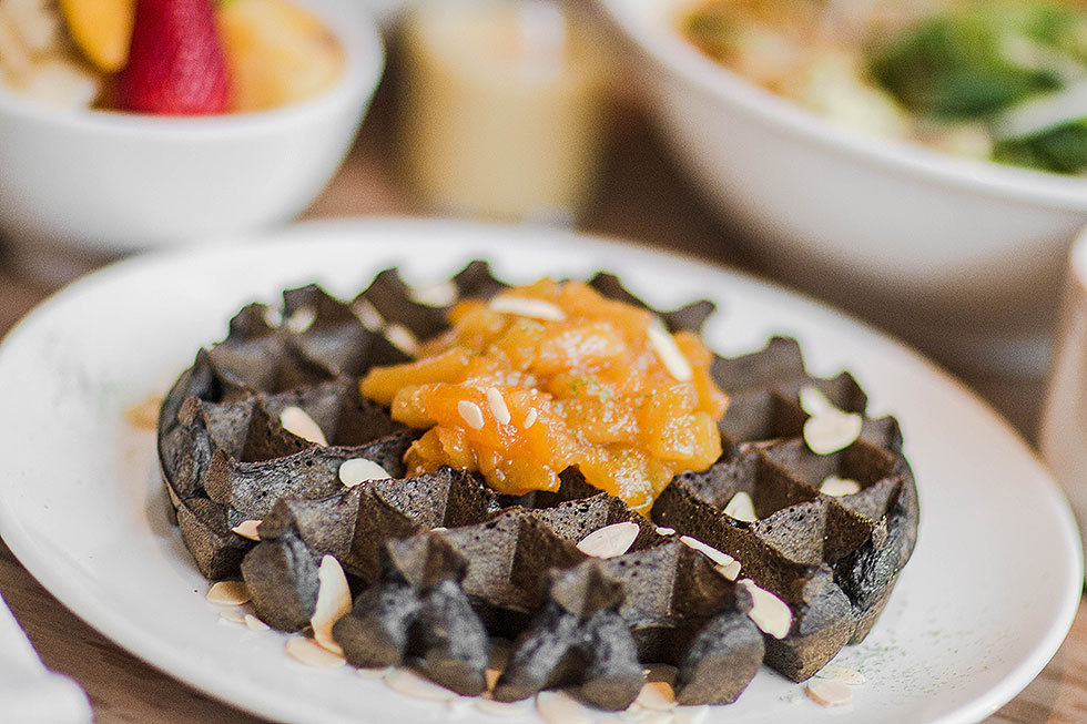 Stateside HONG KONG STYLE CHARCOAL WAFFLES The Fashion Girl's Guide to Eating in Seattle